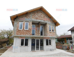 1: Newly built house in Sredna Kula quarter, Русе,