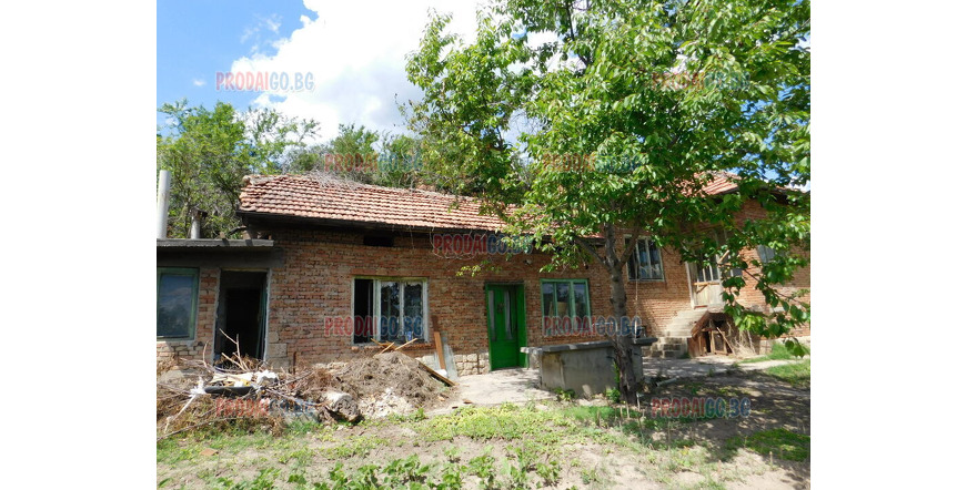 House in the village of Pipekovo