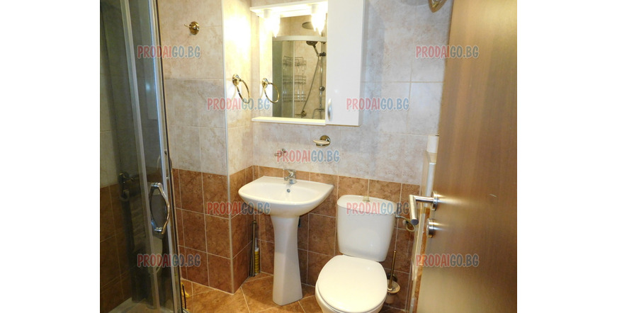 2-roomed apartment in center of the town